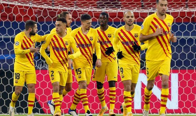 Barcelona Statistik: Spanische Meisterschaft. 24. Runde.Barcelona verlor das erste Halbfinalspiel des spanischen Pokals mit 0:2. Und verlor dann das Hinspiel im 1/8-Finale der Champions League. Das bedeutet, dass die Katalanen in den nächsten Wochen an ein Comeback denken und davon träumen werden. Über die Revanche. In dieses Bild passt das Heimspiel der Meisterschaft gegen Cadiz. Im Hinspiel ging den Cules bei der 1:2-Niederlage gegen den Erzrivalen die Puste aus, was zu heftiger Kritik führte. Unrealisierte Chancen, Pech, schlechte Einstellung - es könnte viele Gründe für dieses Versagen geben, aber keiner davon entschuldigt diesen Zustand für Barcelona. Denn wenn ein Team mit millionenschwerem Vermögen gegen einen bescheidenen Neuling in der Liga verliert, kann es keine Ausreden geben.Eigentlich muss man sich nicht mit Worten rechtfertigen. Es gibt effektivere Methoden. Zum Beispiel die Sprache des Fußballs. Etwas Besseres als Rache im Sport ist noch nicht erfunden worden. Daher wird Barça sehr motiviert in dieses Spiel gehen. Der Meisterschaftskampf, dessen Funke der Intrige noch nicht erloschen ist, wird sogar überschattet.